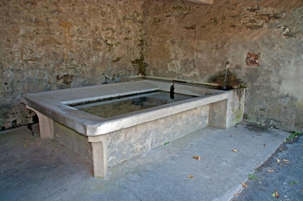Odogno, lavatoio / Lavoir / Waschtrog / Washing trough