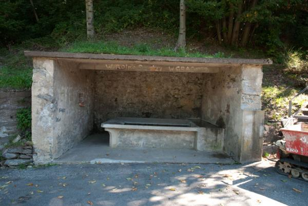 Cagiallo Bettagno, lavatoio / Lavoir / Waschtrog / Washing trough