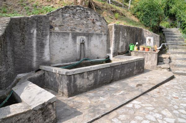 Oggio, lavatoio / Lavoir / Waschtrog / Washing trough